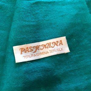 Pashmina wrap/scarf